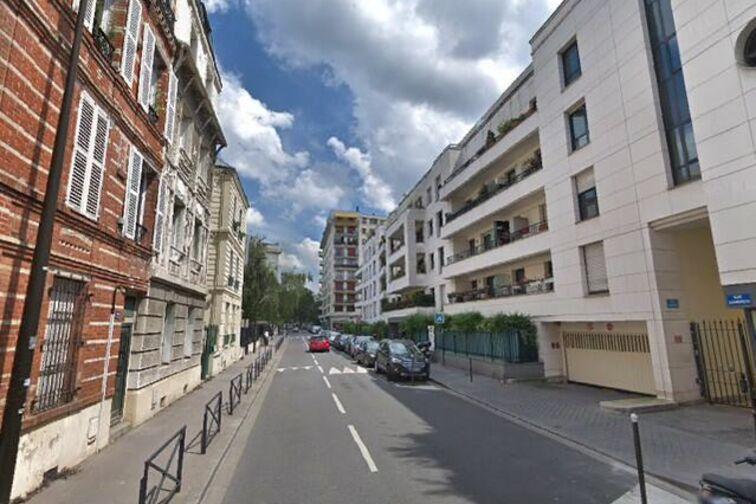 Parking Gare de Villeneuve-le-Roi en location