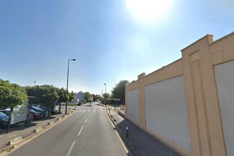 Parking Poste - Coeuilly - Champigny-sur-Marne 58 avenue de Coeuilly