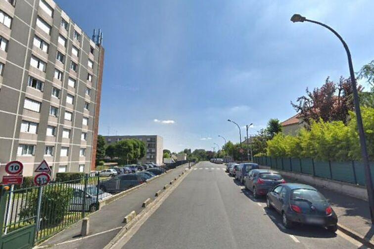 Parking Gare de Villiers Sur Marne Le Plesis Trevise pas cher