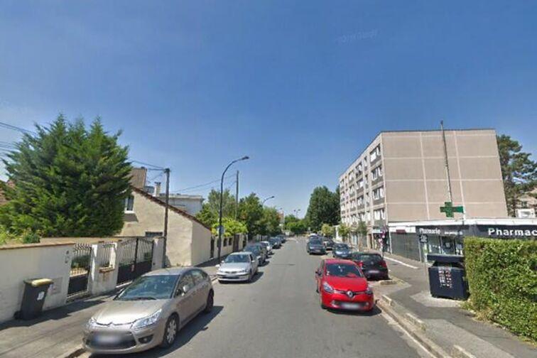location parking Gare de Villiers Sur Marne Le Plesis Trevise