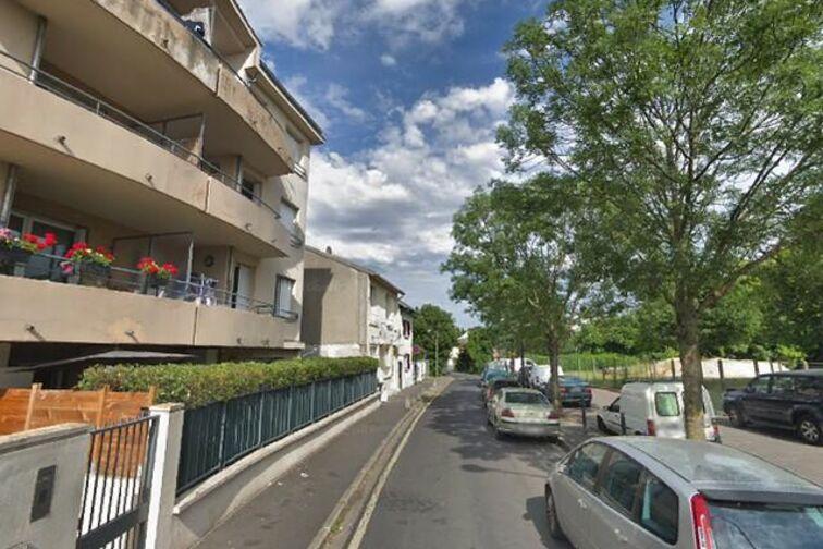 Parking Ecole Eugénie Cotton - Champigny-sur-Marne location mensuelle