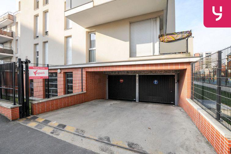 Parking Centre-Ville - Roussillon - Neuilly-Sur-Marne (place moto) garage