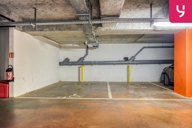 Parking Centre-Ville - Roussillon - Neuilly-Sur-Marne (place moto) box