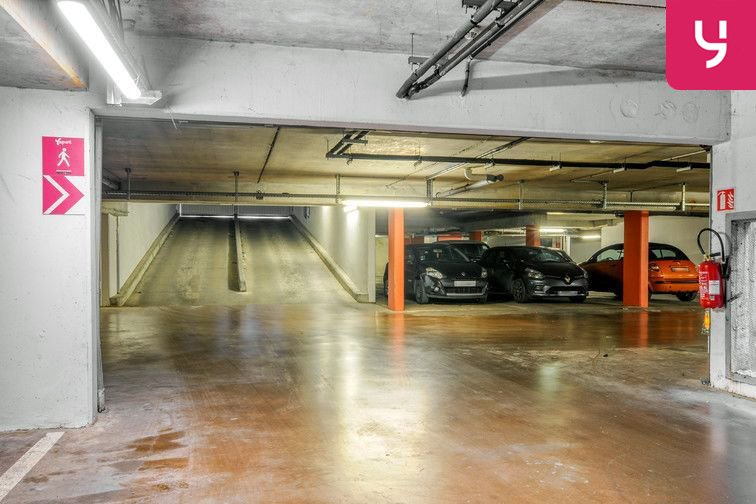 Parking Centre-Ville - Roussillon - Neuilly-Sur-Marne (place moto) caméra