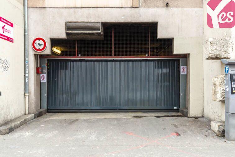 Parking Métro Hoche - Pantin caméra