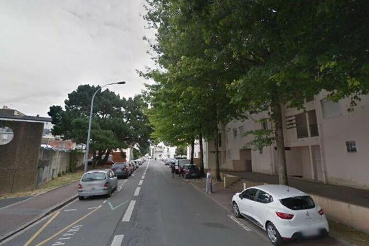 Parking Ecole Publique Elementaire Gustave Roch - Nantes 24/24 7/7