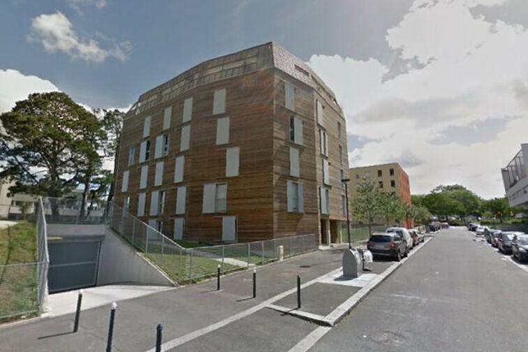 Parking Ecole Publique Elementaire Dervallieres - Nantes sécurisé