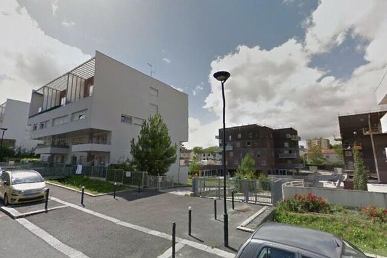 location parking Ecole Publique Elementaire Dervallieres - Nantes