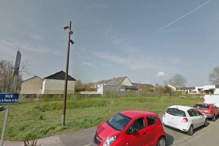 location parking Ecole Publique Maternelle Louis Pergaud - Nantes
