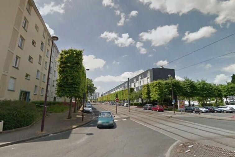 location parking Place Plissonneau - Rezé