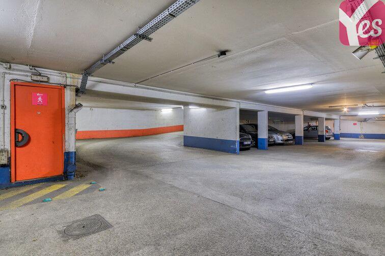 Parking Eglise du Sacré-Cœur - Avenue Michelet - Saint-Ouen 24/24 7/7