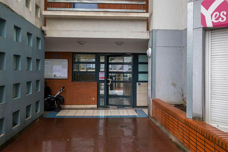 Parking Collège Joséphine Baker - Saint-Ouen à louer