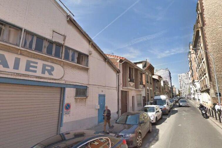 Parking Stade Pablo Neruda - Rue du Docteur Léonce Basset - Saint-Ouen caméra