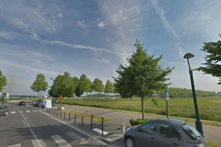 Parking Lycée Émilie du Châtelet - Serris (box) en location