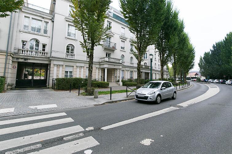 Parking Vallée Village - Serris 77700