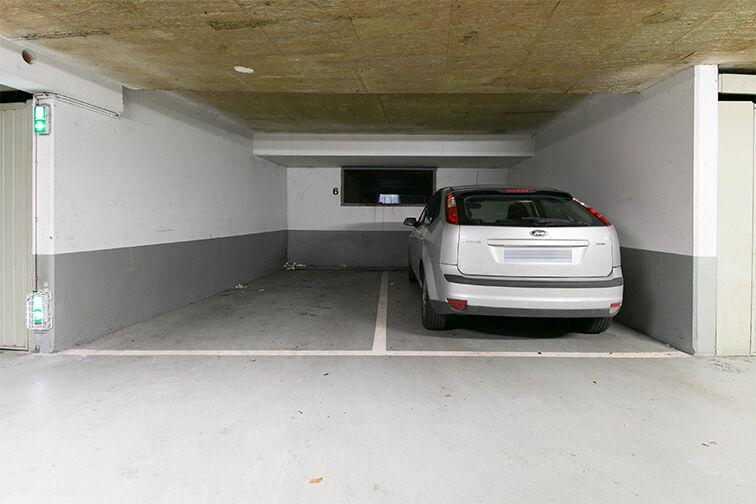 Parking Vallée Village - Serris gardien