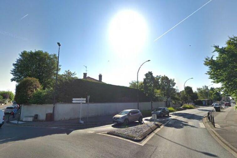Parking Château des tourelles - Champigny-sur-Marne à louer