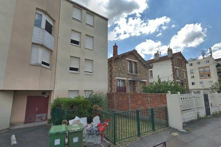 Parking École Élémentaire Publique Pierre Demont - Champigny-sur-Marne 24/24 7/7