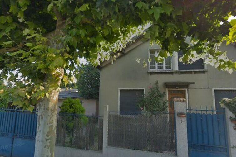 Parking Conservatory Olivier Messiaen - Champigny-sur-Marne location