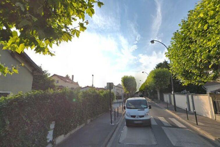 Parking Conservatory Olivier Messiaen - Champigny-sur-Marne garage