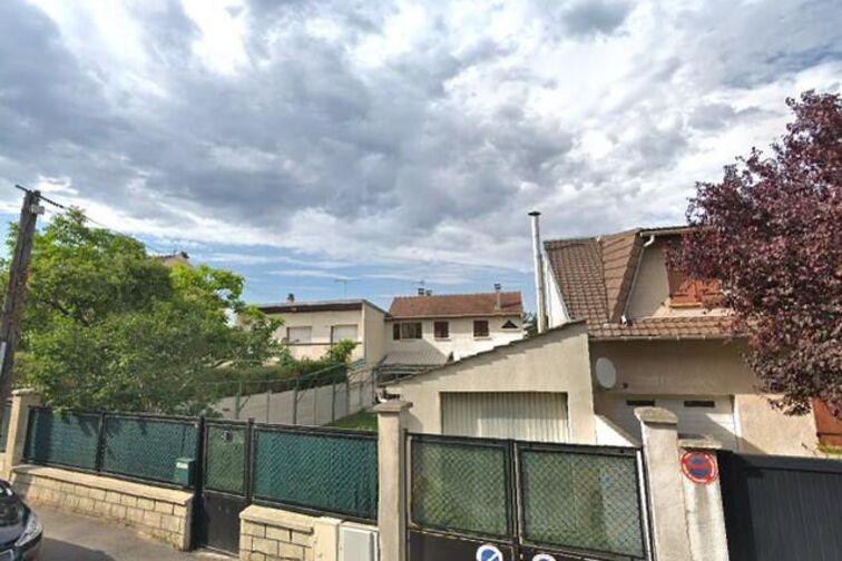 Parking Courts communaux Nelson-Mandela - Champigny-sur-Marne en location