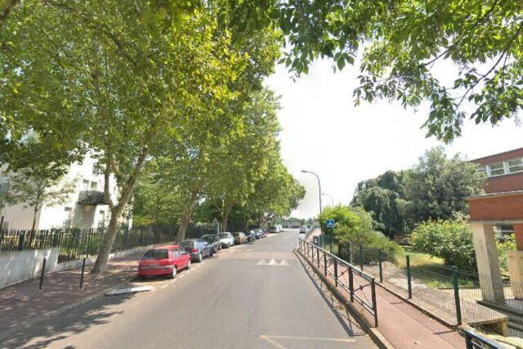 Parking École Maternelle Albert Petit - Bagneux 24/24 7/7