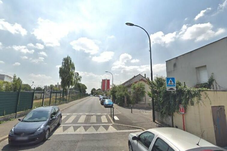 Parking Gymnase Cosec Romain Rolland - Bagneux garage