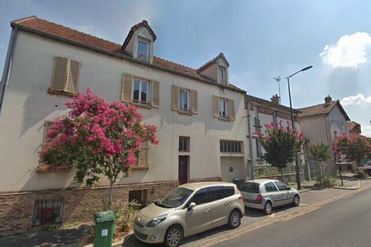 Parking Paroisse St Hermeland - Bagneux 24/24 7/7