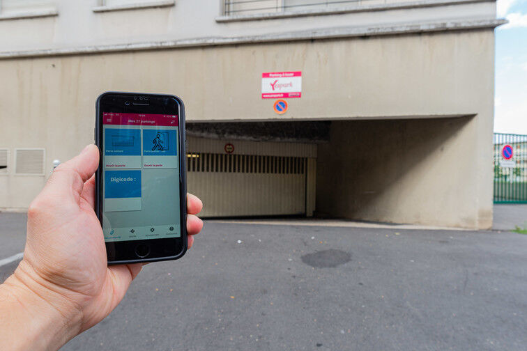 location parking Ivry-sur-Seine RER