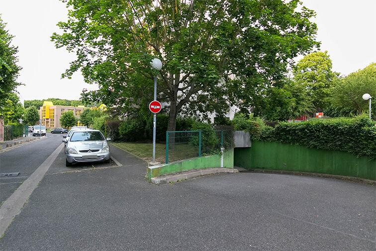 Parking Avenue Henri Ravera - Cimetière parisien - Bagneux garage