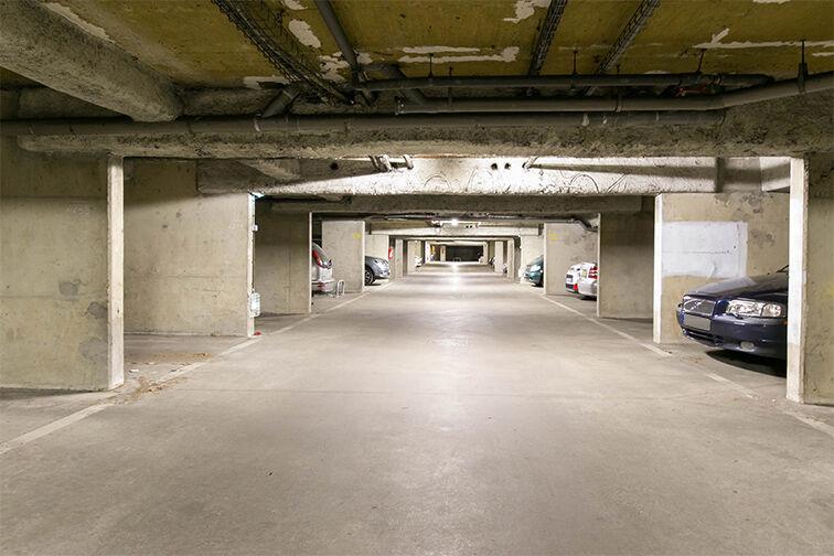 Parking Avenue Henri Ravera - Cimetière parisien - Bagneux gardien