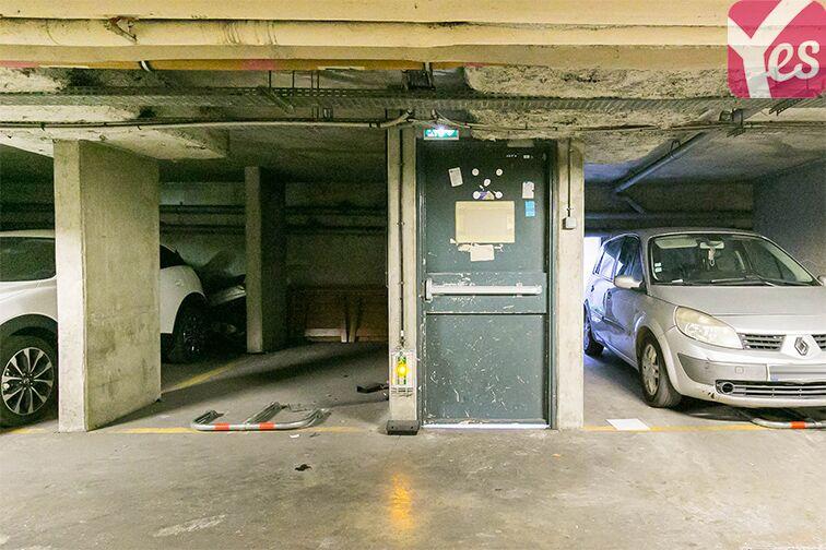 Parking Square Léo Ferré - Bagneux 24/24 7/7