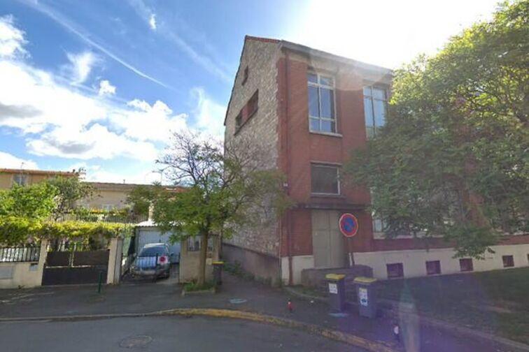 Parking Villa Pichon - Les Gondoles - Choisy-le-Roi en location