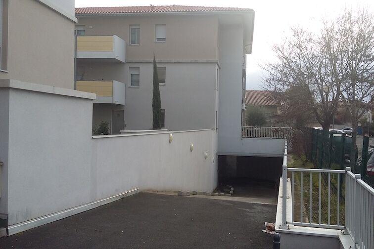 Parking Hôtel De Ville De Cugnaux (box) location