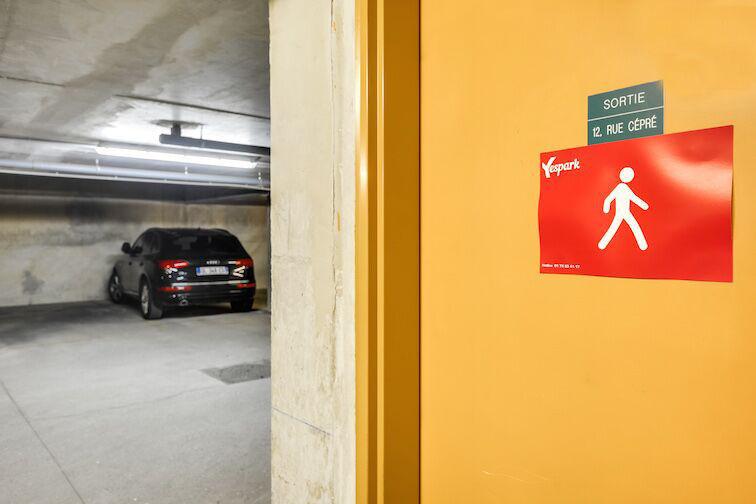 Parking Cambronne - Paris sécurisé