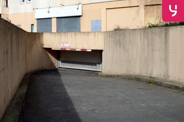 Parking Rougemont Chanteloup - Aulnay-sous-Bois 24/24 7/7