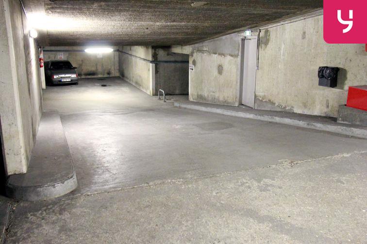 Parking Porte de Versailles gardien