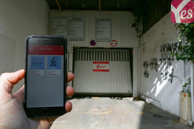 Ouvrez la porte du parking avec votre smartphone et l'application Yespark !