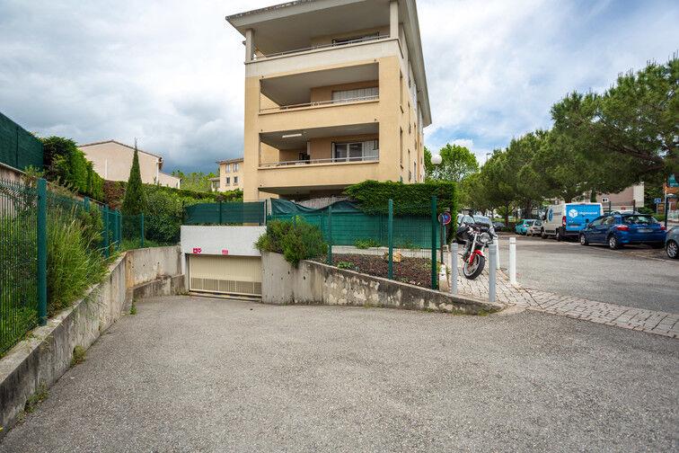 Parking Route de la Roquette - Mougins avis