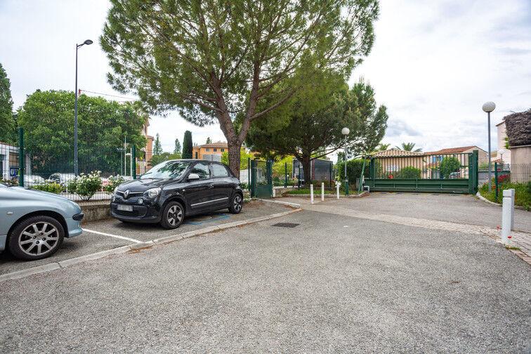 Parking Route de la Roquette - Mougins à louer
