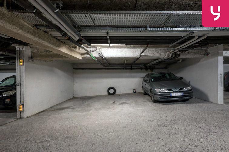 Parking Collège Barbara - Pierrefitte-sur-Seine (place moto) en location