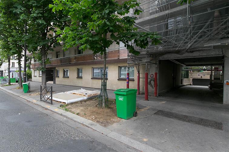 Parking Rue de Belgrand - Métro Porte de Bagnolet - Paris 20 garage