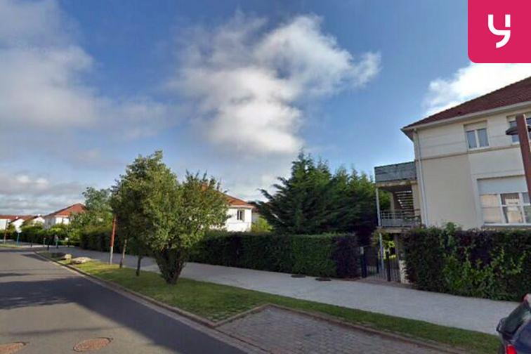 Parking Chêne Saint-Fiacre - Chanteloup-en-Brie - (box) en location