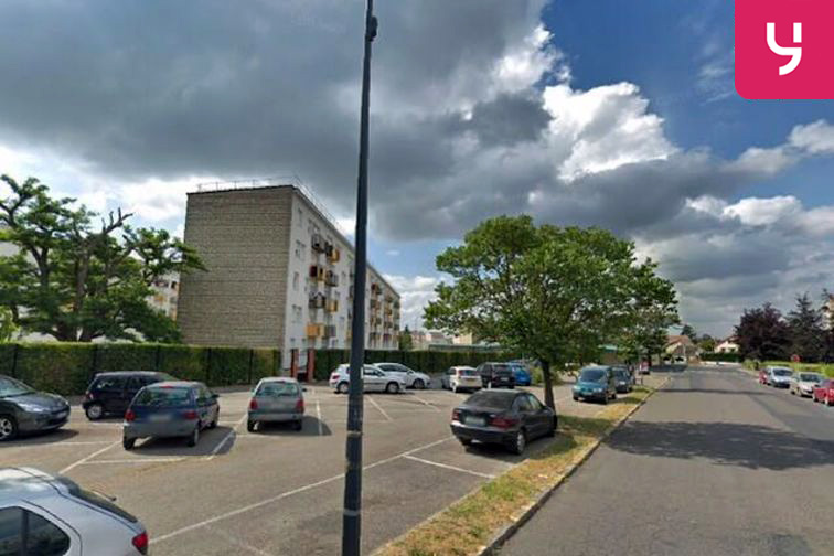 Parking Ecole maternelle Suzanne Demetz - Brou-sur-Chantereine en location