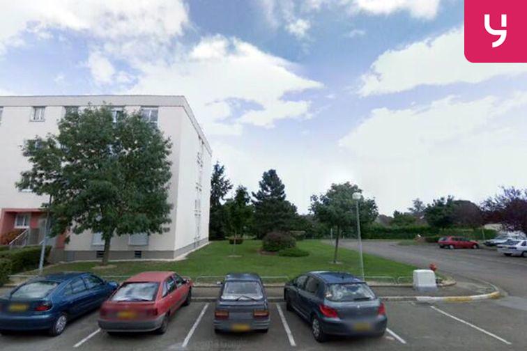 Parking Ecole elementaire Gaston Rouspel - Gevrey-Chambertin avenue de la Gare