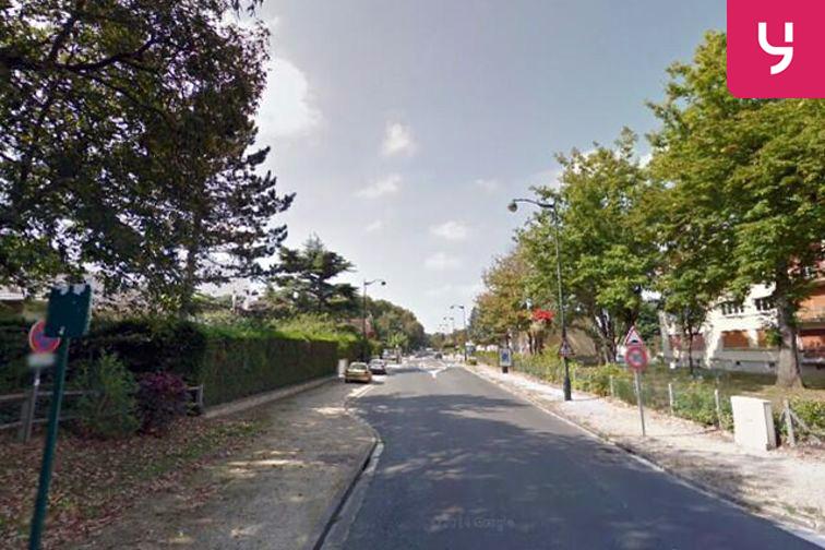 location parking Eglise Saint-Paul - La Rochette