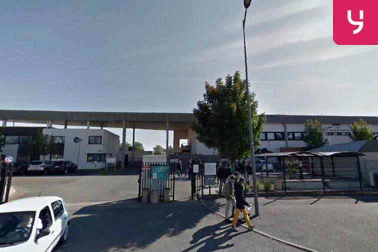 Parking Lycée Saint Jacques de Compostelle - Poitiers garage