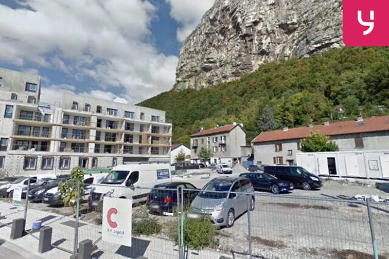 Parking Eglise de la Buisserate - Saint-Martin-le-Vinoux 38950