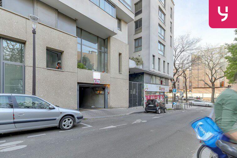 Le parking Parc Montsouris - Alésia est situé 4 avenue de la Sibelle
