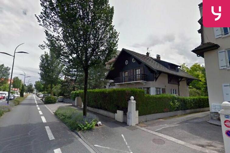 Parking Collège Jean Jacques Rousseau - Thonon-les-Bains garage